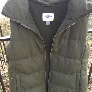 Army green quilted puffer vest